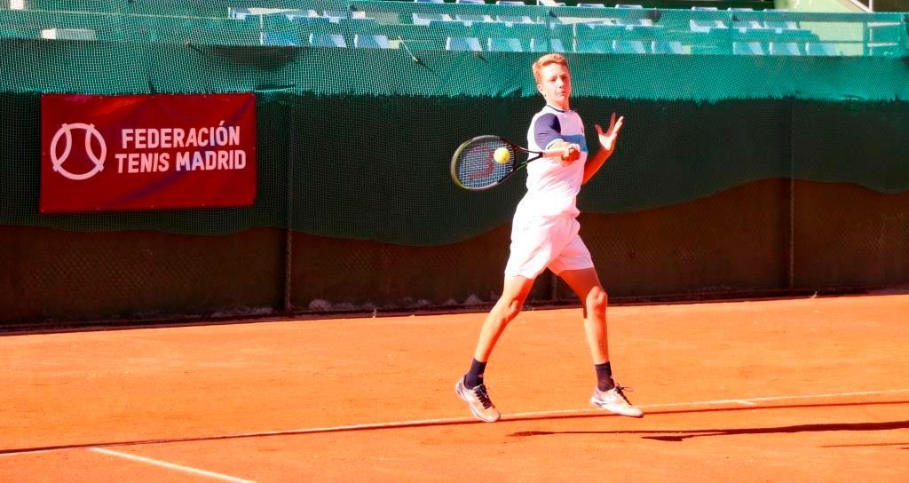 Martín Landaluce, del CT Chamartín, campeón infantil de tenis de Madrid 2020. Foto: FTM