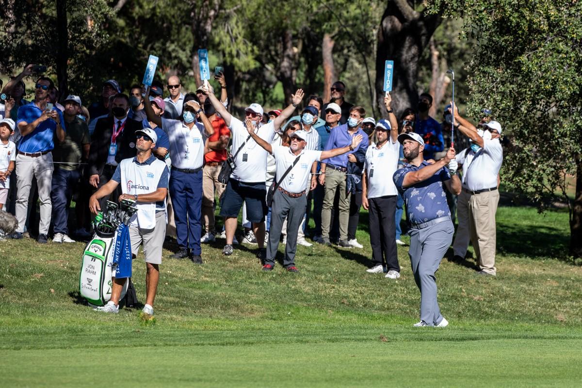 El número 1 del golf mundial, Jon Rahm, en acción. Foto: Miguel Ros / CCVM