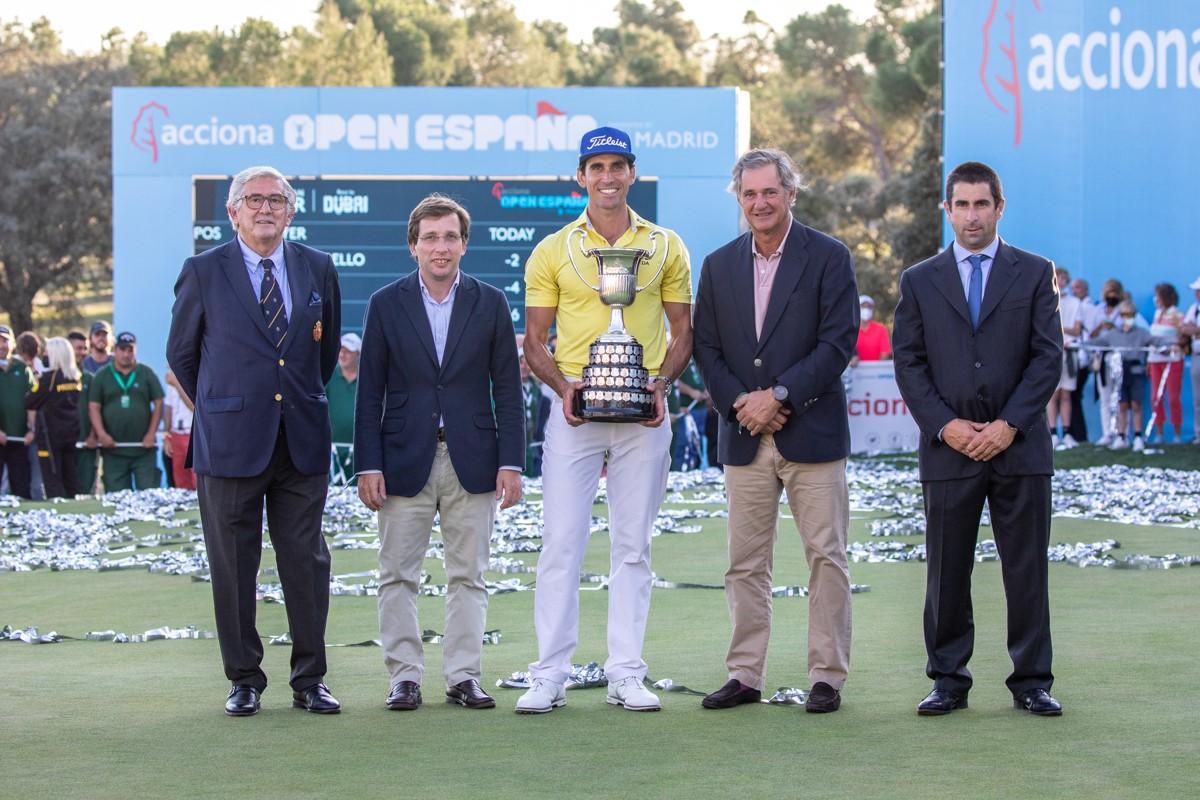 Entrega de premios del torneo. Foto: Miguel Ros / CCVM