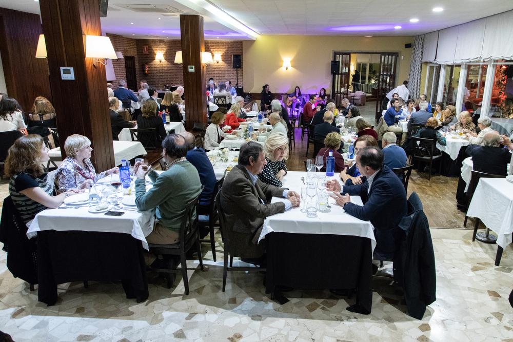 Aspecto del restaurante del Pabellón Social durante la velada. Foto: Miguel Ros