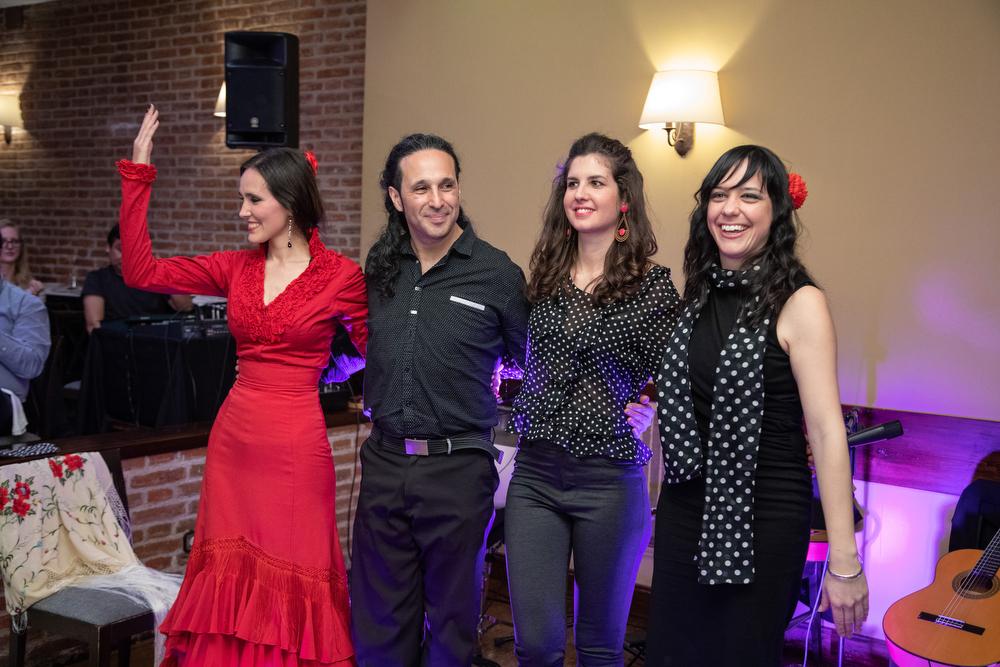 Los cuatro artistas de Classenco saludan al final del espectáculo. Foto: Miguel Ros