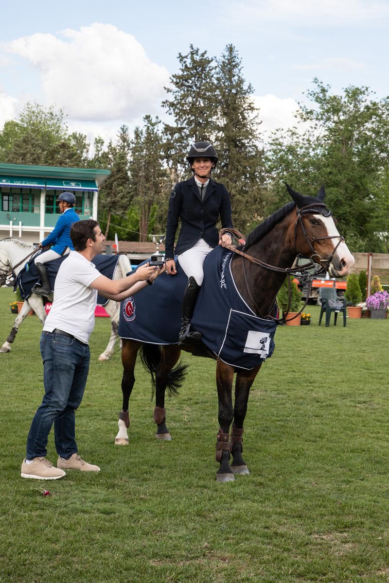 Samantha Mcintosh, con James S, ha sido la ganadora del pequeño Gran Premio Mini. Foto: Miguel Ros