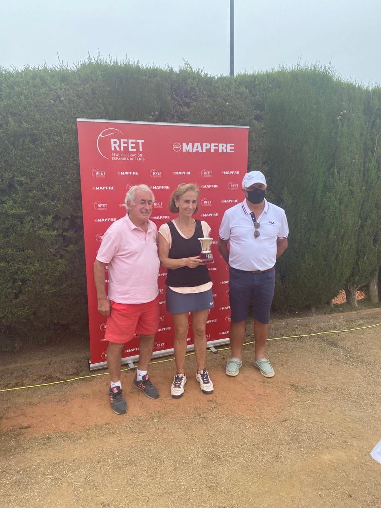 Carmen Chillida, campeona de España +65.