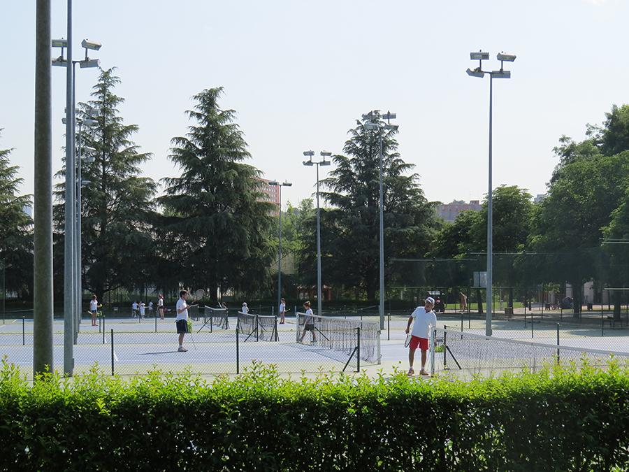 Escuela deportiva de tenis del Club.