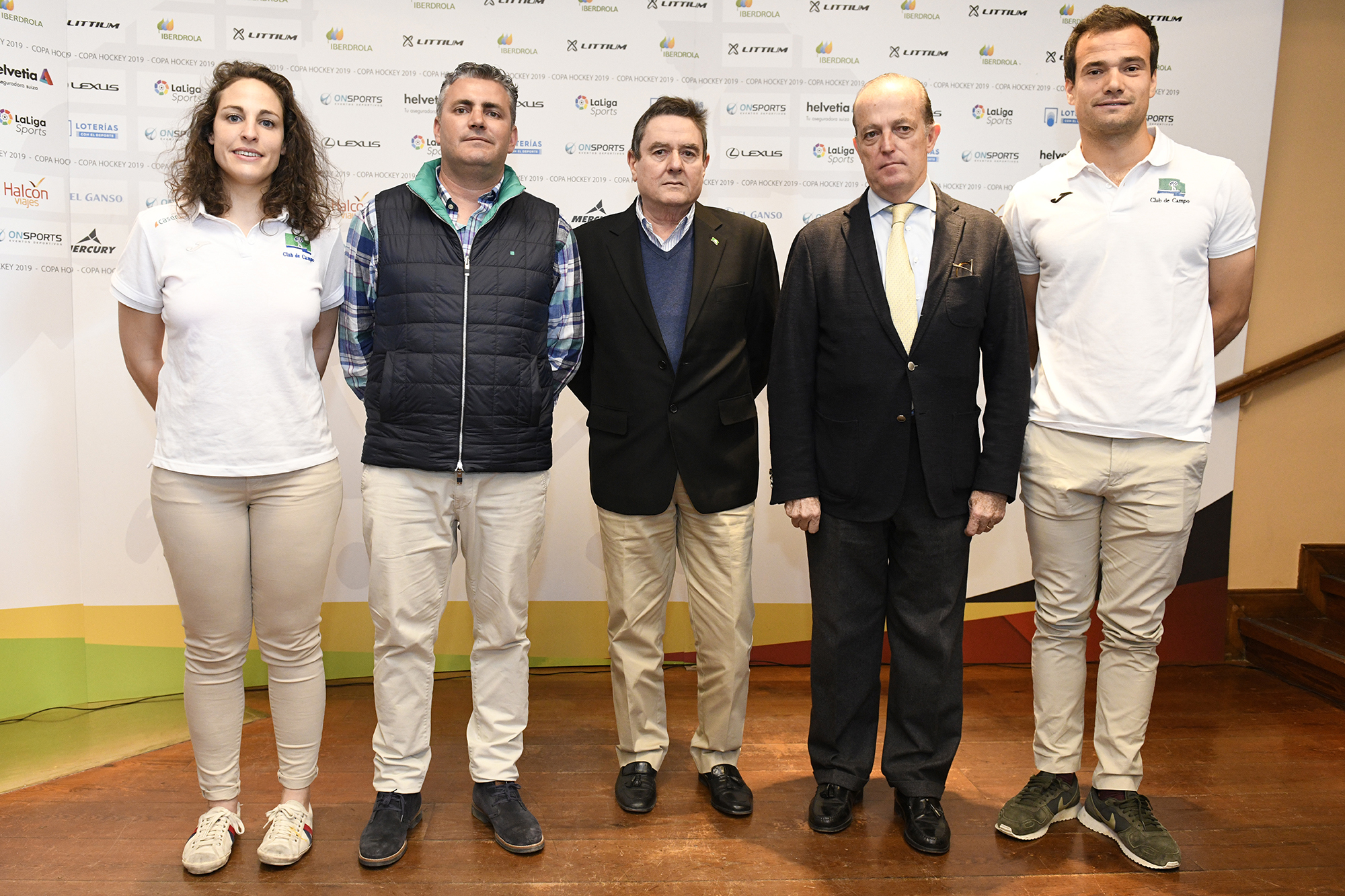 Foto de familia con Mari Ruiz, Miguel Vilches, Antonio Montalvo, Santiago Deó y Álvaro Iglesias. Foto: Rafa Aparicio