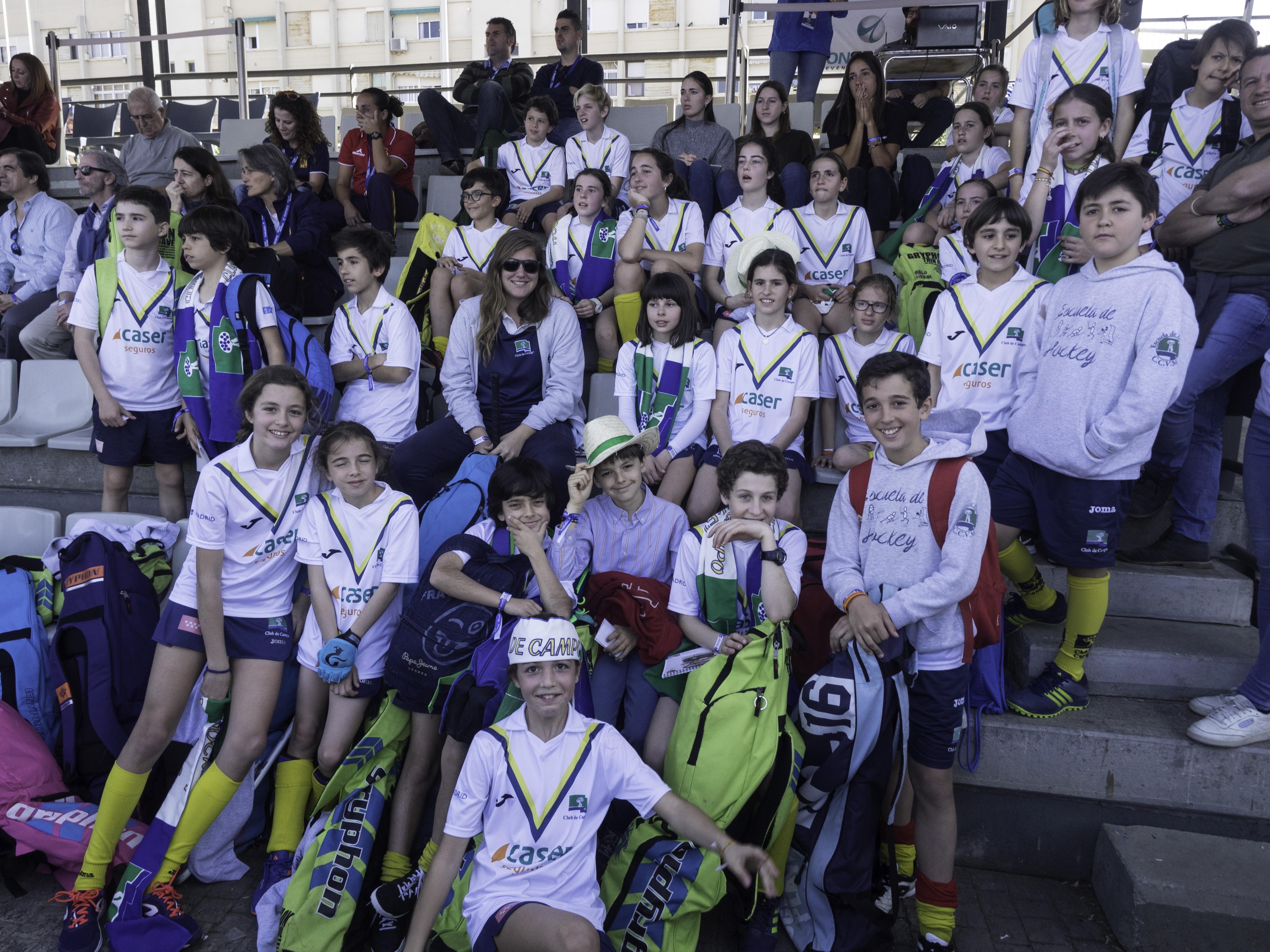 Los aficionados desplazados a Valencia no pararon de animar al Club. Foto: Ignacio Monsalve