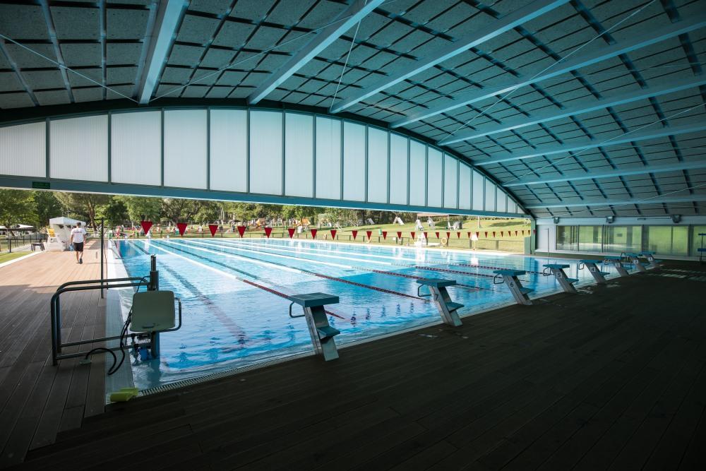 Piscina cubierta del Club de Campo Villa de Madrid.