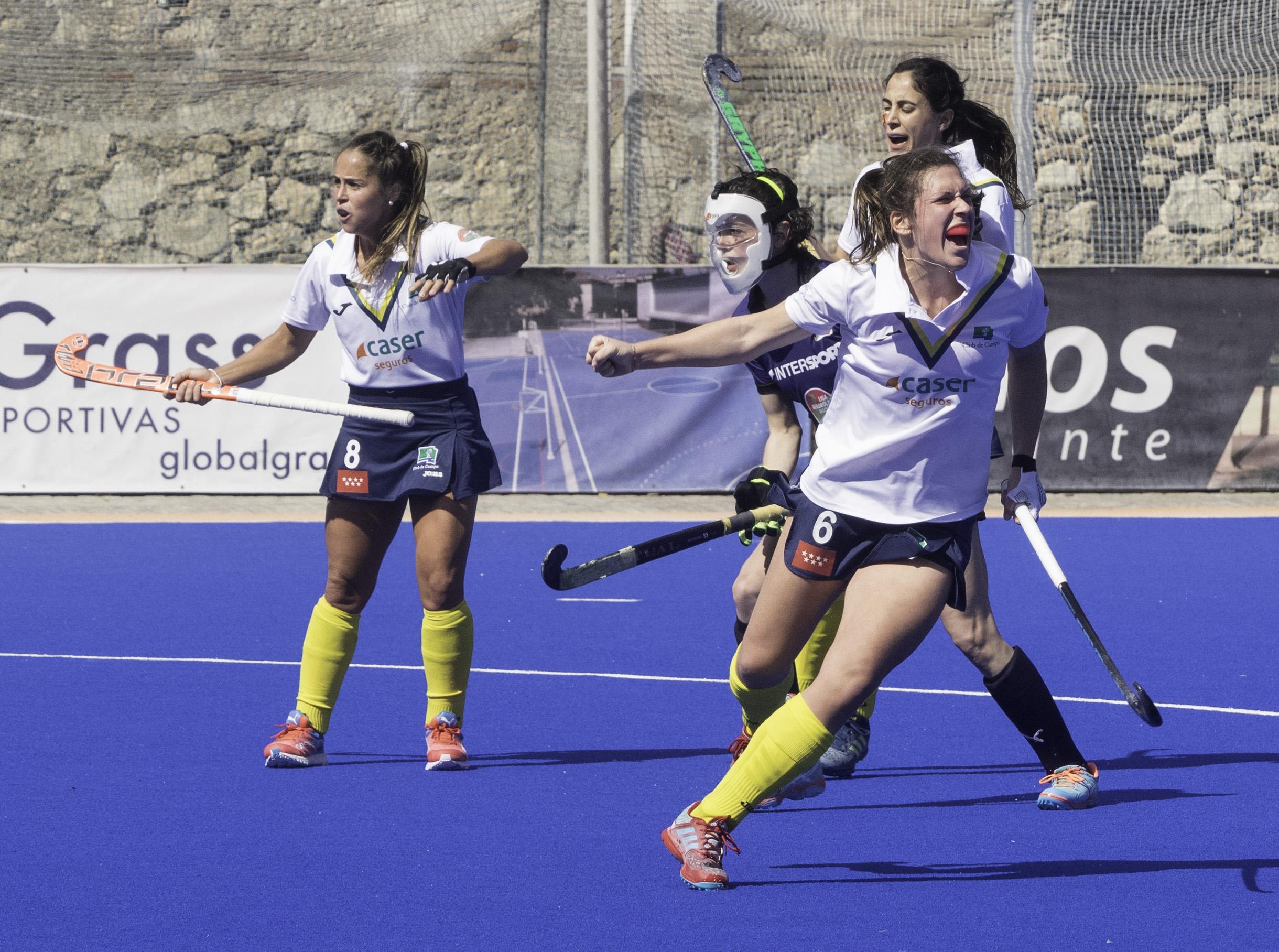 Rebecca Grote grita el tercer gol del Club en la final. Foto: Ignacio Monsalve
