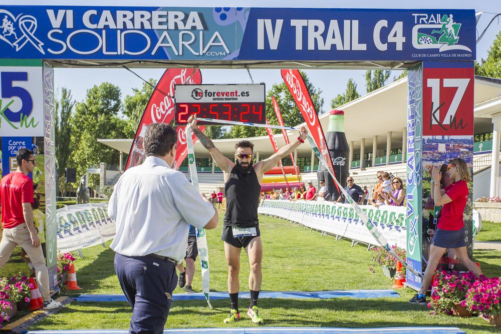 Diego Mancera Ruiz, ganador de la Carrera Solidaria. Foto: Miguel Ros