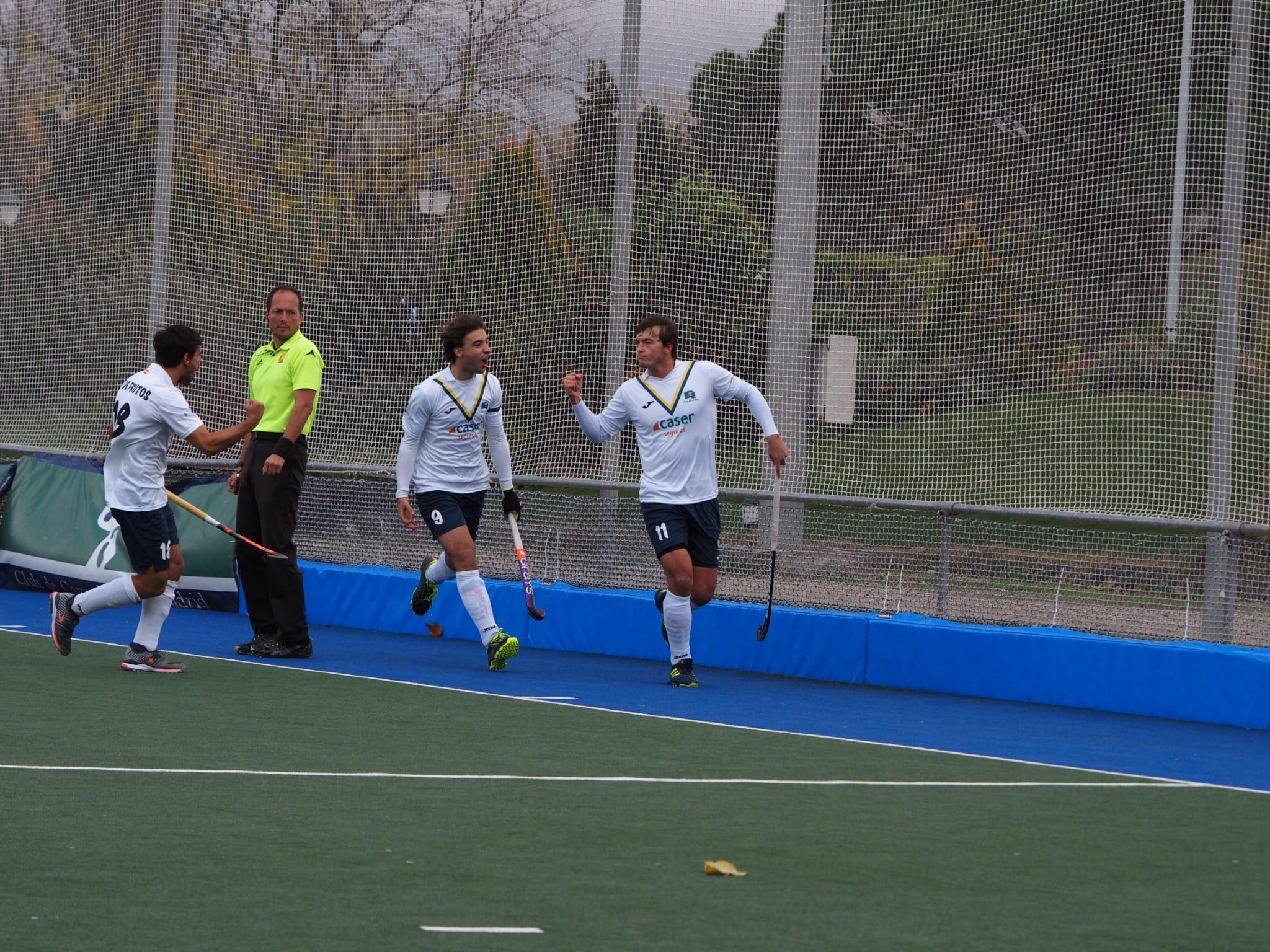 Los jugadores del Club celebran el gol de José Basterra. Foto: Ignacio Monsalve