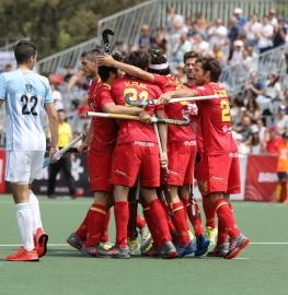 Los jugadores españoles celebran un gol en el partido de la Pro League contra Argentina. Foto: Miguel Ros