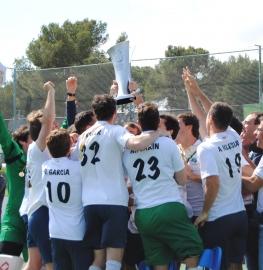 El Club de Campo masculino de hockey celebra su primer título de Liga. Foto: Rfeh