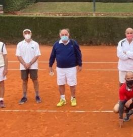 Equipo del Club subcampeón de España de tenis +60. Foto: FTM