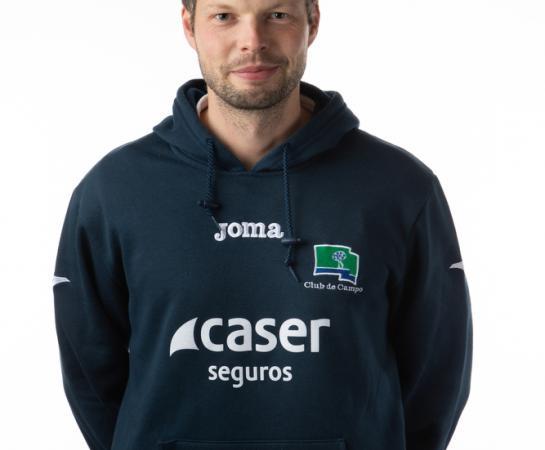 Adrian Kuhn, segundo entrenador y delegado