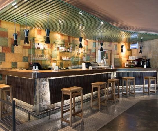 Barra restaurante Chalet de Tenis.
