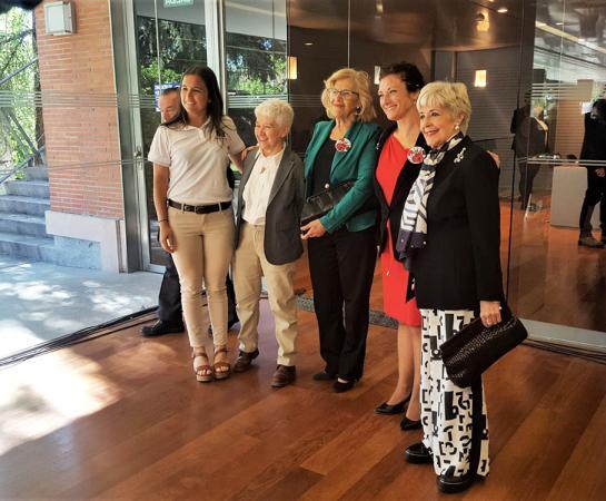 Rocío Gutiérrez, Boti García Rodrigo, Manuela Carmena, Elena García Armada y Concha Velasco