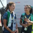 Alejandra Torres-Quevedo y Ana Marquínez atienden a la Federación Europea de Hockey al final del partido