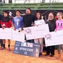 Campeones y finalistas posan con Tati Rascón