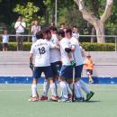 Leandro Tolini es felicitado por sus compañeros tras su gol. Foto: Ignacio Monsalve