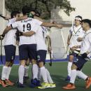 Piña del Club de Campo tras el gol de Álvaro Iglesias. Foto: Ignacio Monsalve
