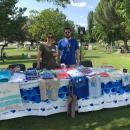 La piscina de verano del Club ha contado con un puesto solidario de 'Mójate por la esclerosis múltiple'.
