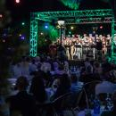 Aspecto general de la terraza del Pabellón Social durante el concierto. Foto: Miguel Ros